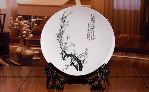 瓷盘画雕刻文字,瓷盘画雕刻什么好看
