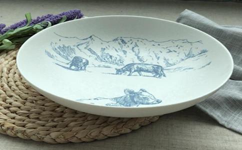 礼品瓷盘画diy厂家怎么选择,哪里可以创意礼品瓷盘画定制