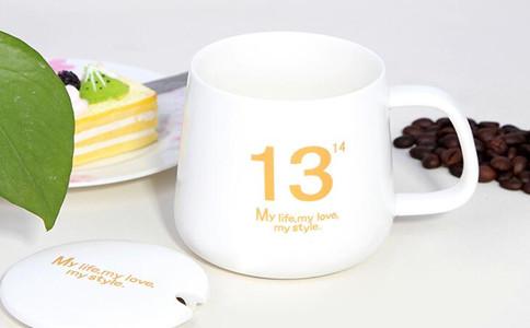 哪里可以进行白瓷杯雕刻,陶瓷茶杯定制平台哪家好