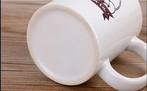 logo白瓷杯定制内容推荐,白瓷杯雕刻定制写什么好看