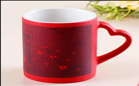 定制浮雕变色杯报价,定做个性变色杯要多少钱