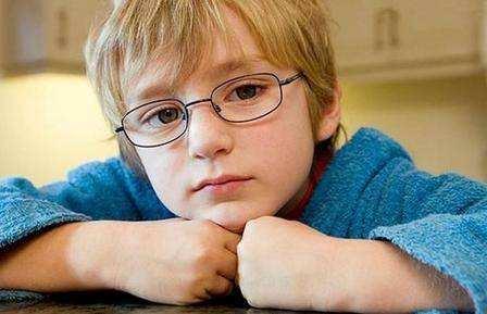 给孩子配眼镜需要注意的问题